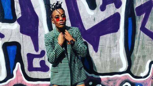 Toya delazy love is in the air free mp3 downloads.